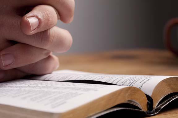 biblia-575-shutterstock_87175915